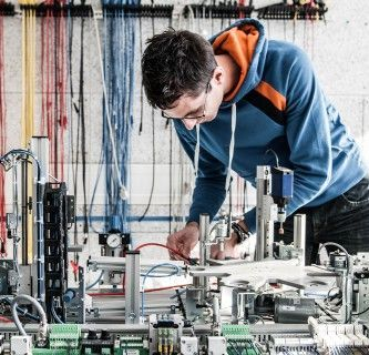 Advanced Electronic Engineering