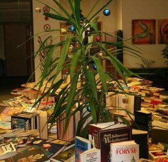 Menschen auf der Flucht - die FH JOANNEUM hilft - Bücherflohmarkt