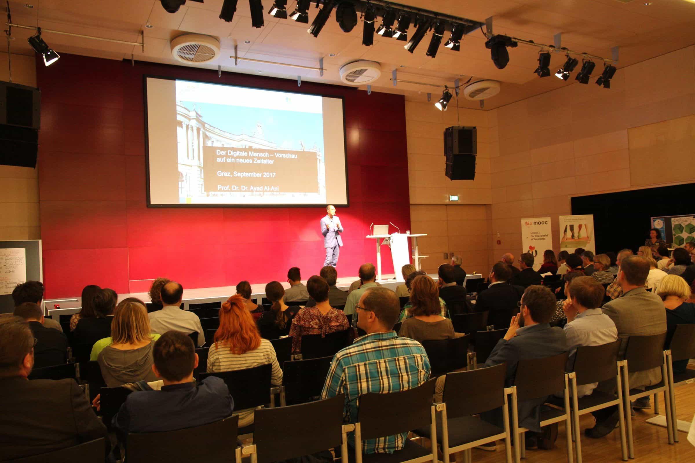 Das Audimax der FH JOANNEUM während der Keynote zum 16. E-Learning Tag der FH JOANNEUM.