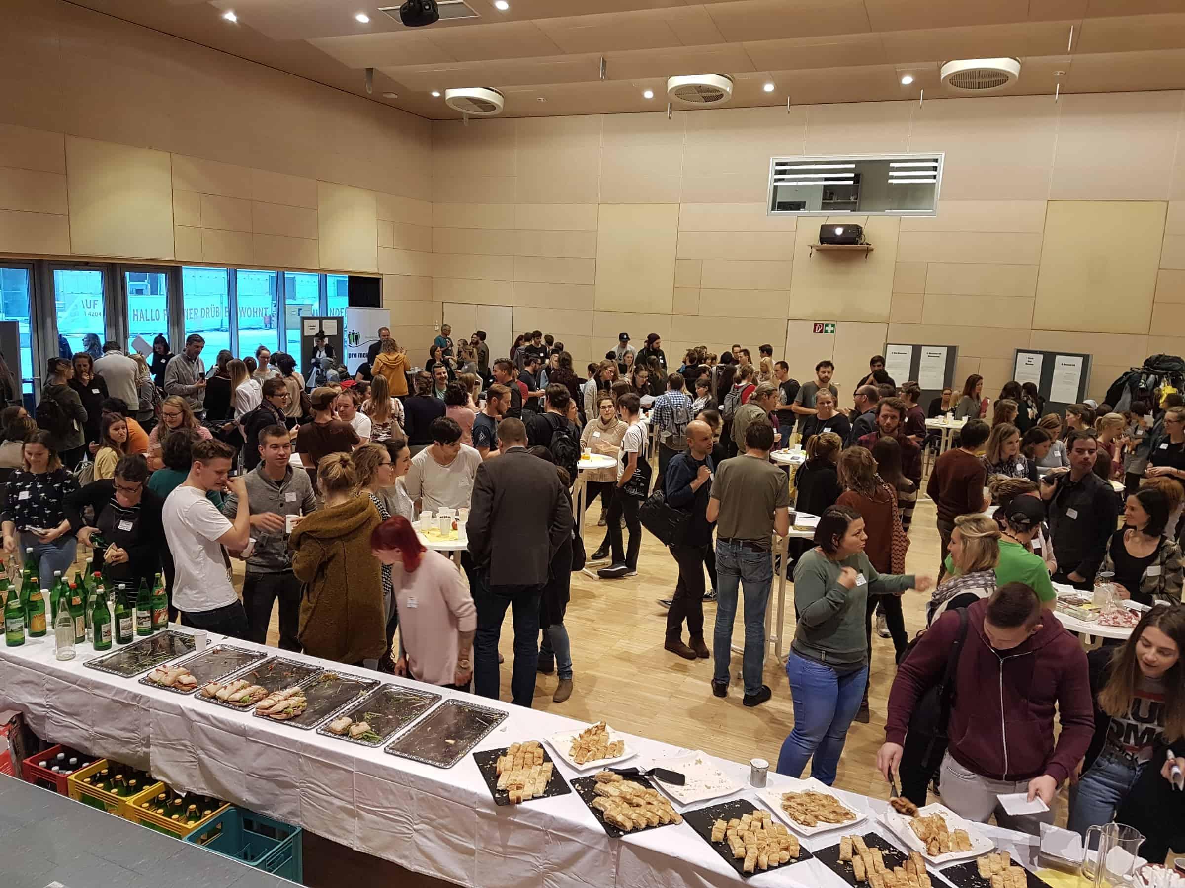 Praktikumsbörse: über 200 Personen im Gespräch