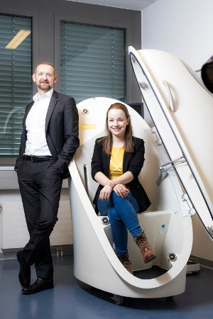 Christopher Mayr, Country Manager at Milupa ELN Austria, with Midwifery student Elsa Ehrenreich