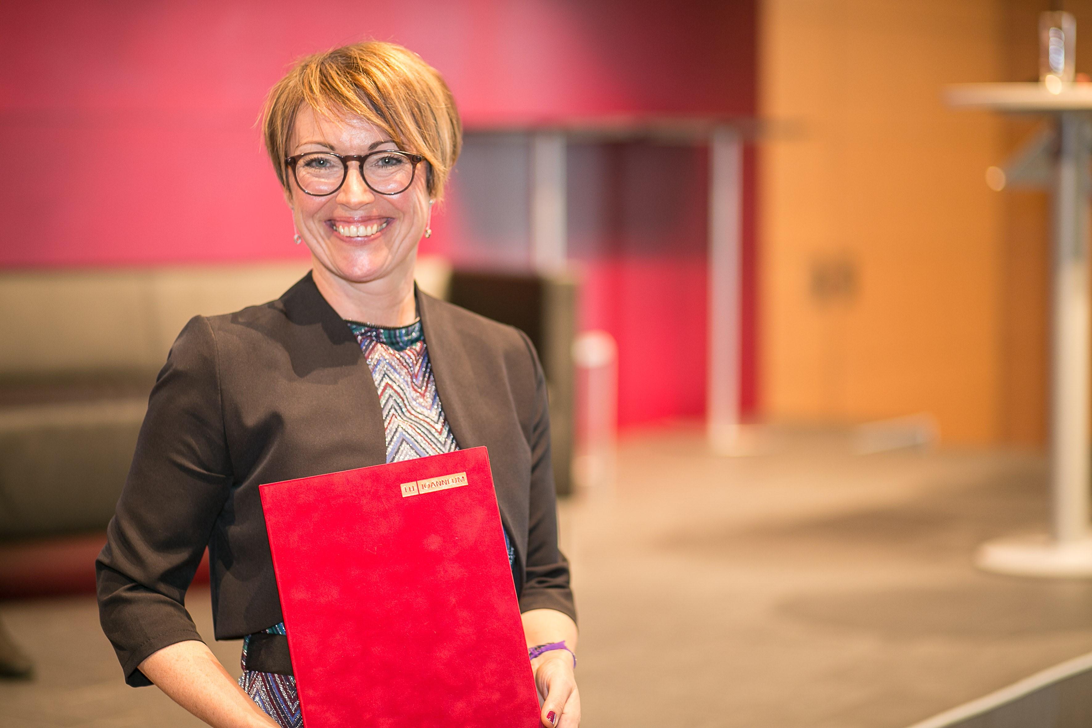Monika Altenreiter wurde mit dem Teaching Award 2018 ausgezeichnet.
