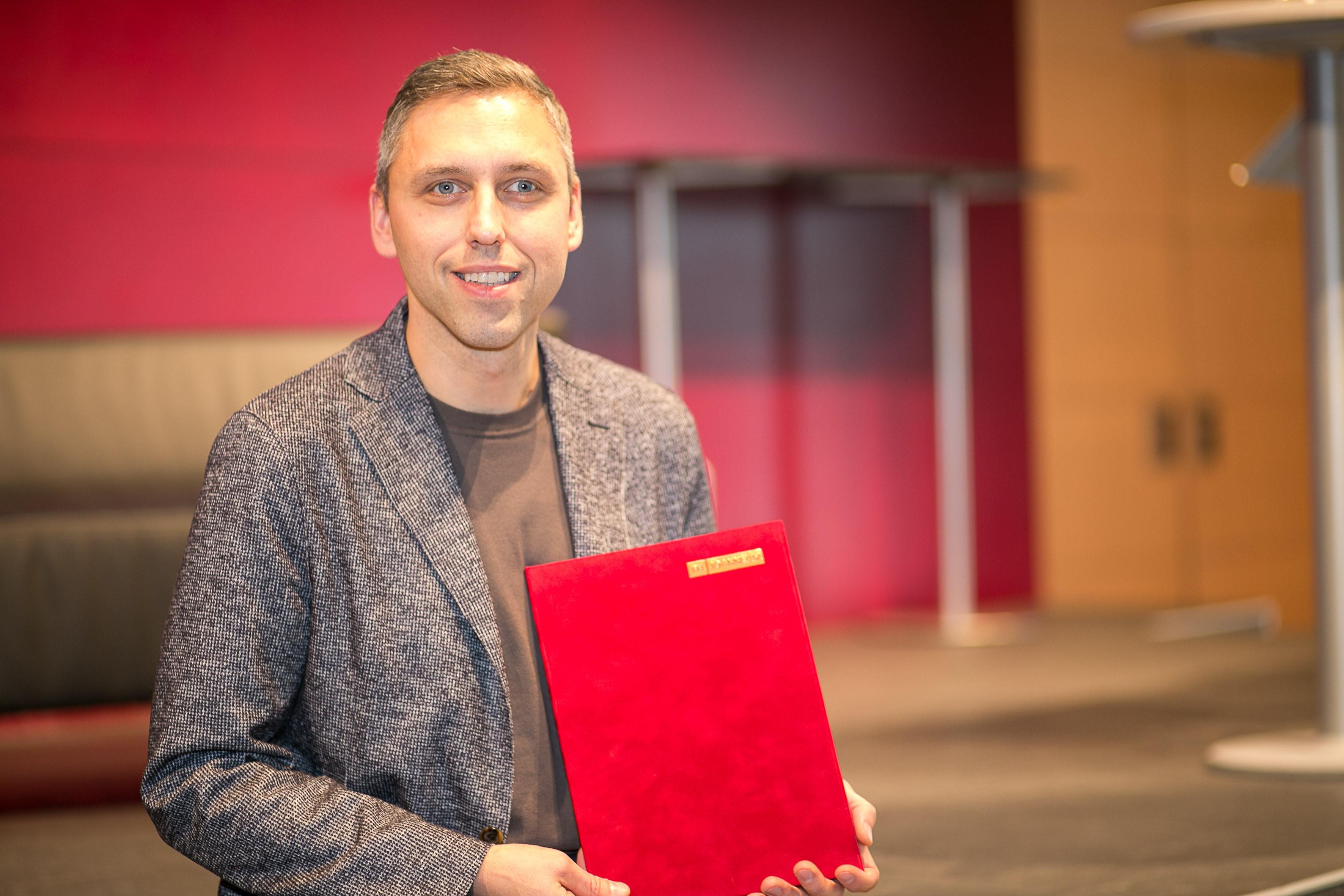 Robert Gutounig mit dem Teaching Award 2018.