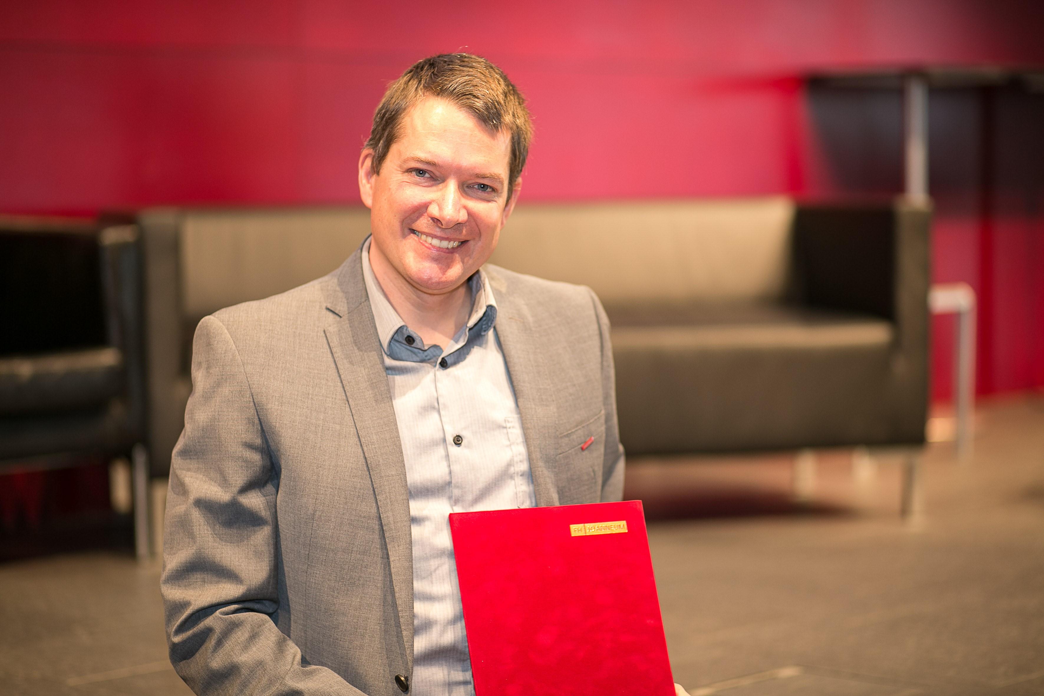 Wilhelm Zugaj erhält den Teaching Award 2018.