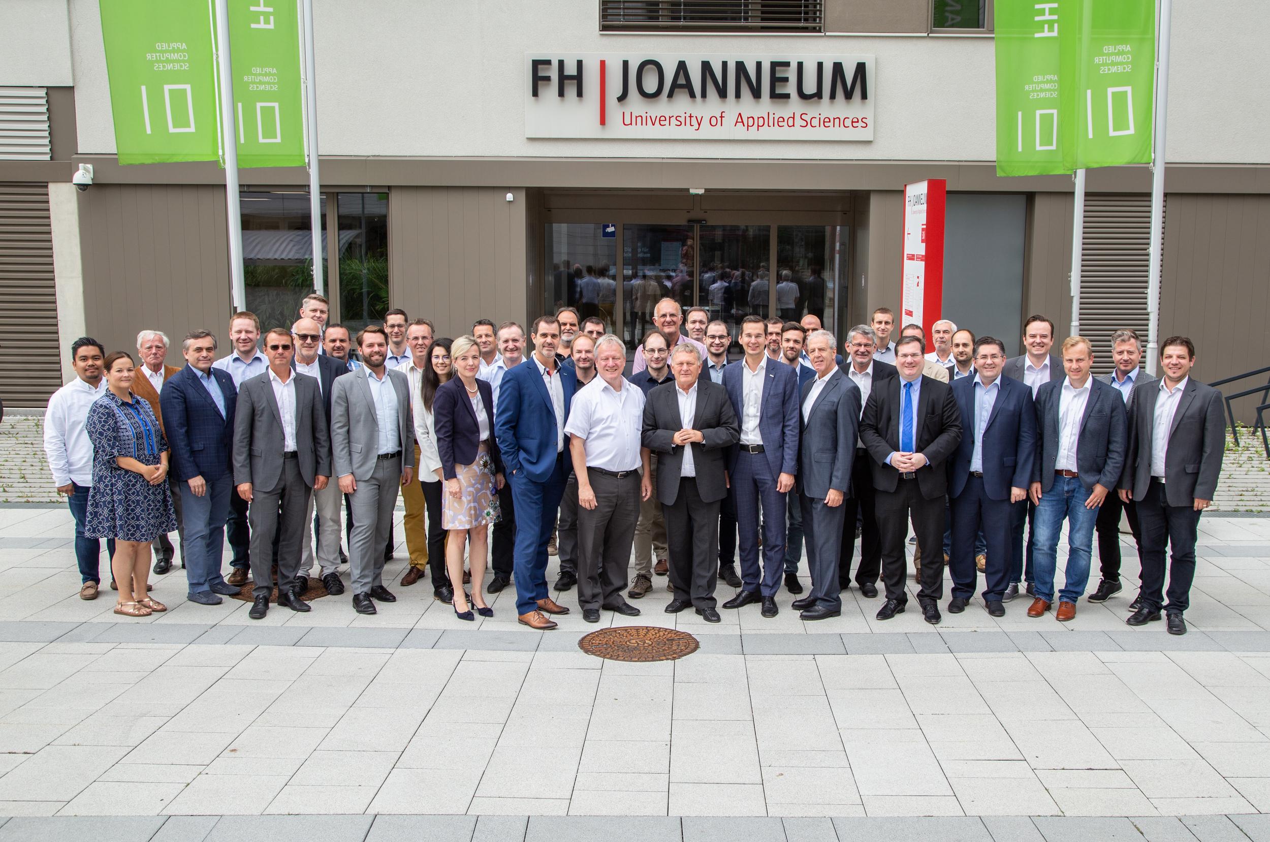 Gruppenbild mit den Projektpartnern von AIRlabs Austria.