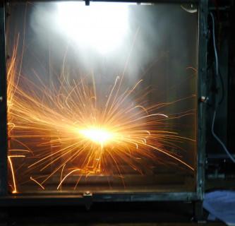 Thermisches Durchgehen einer Li-Ionen-Batterie TYP ICR-18650. Bild: Jürgen Kunkelmann