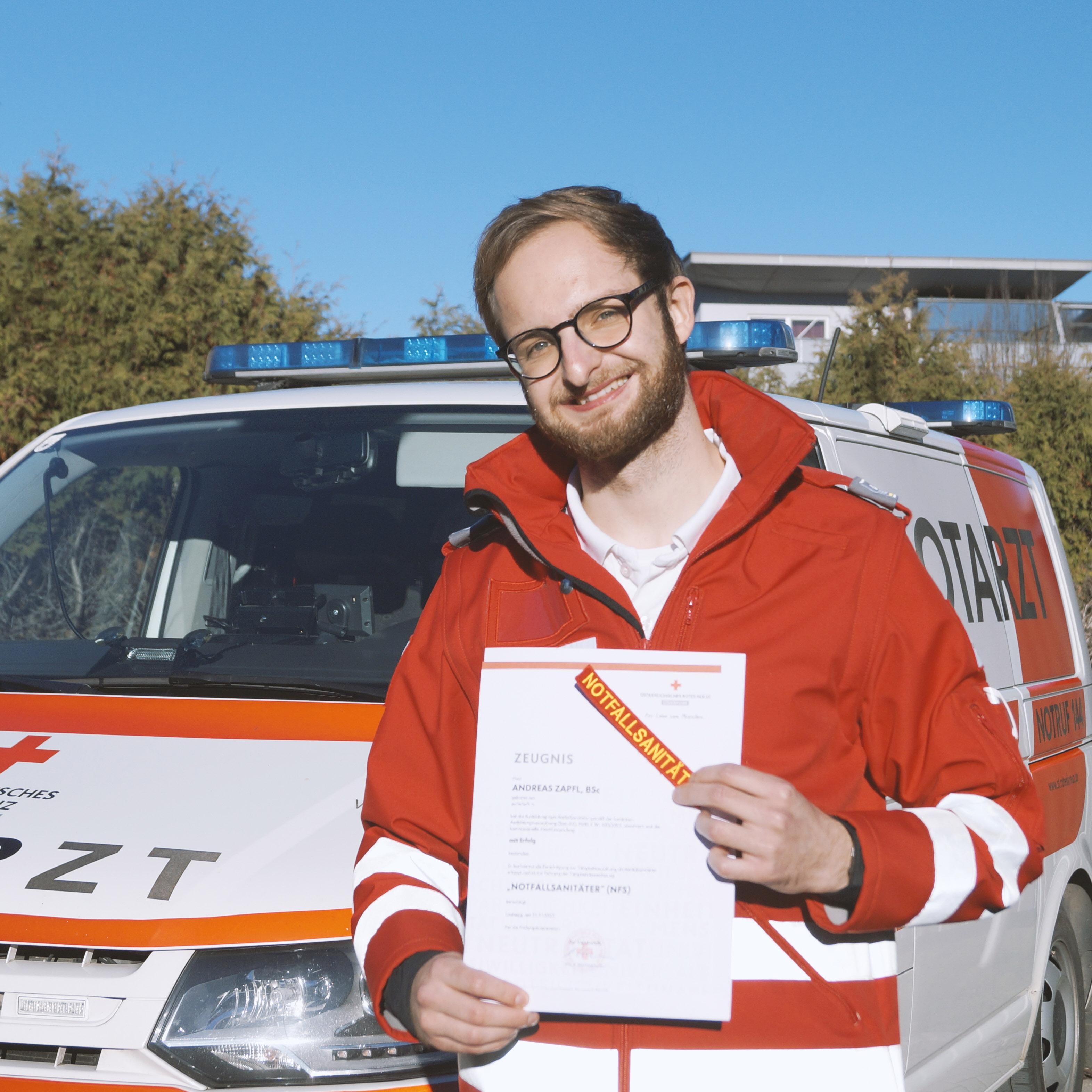 Seit über fünf Jahren ist Andreas beim Roten Kreuz.