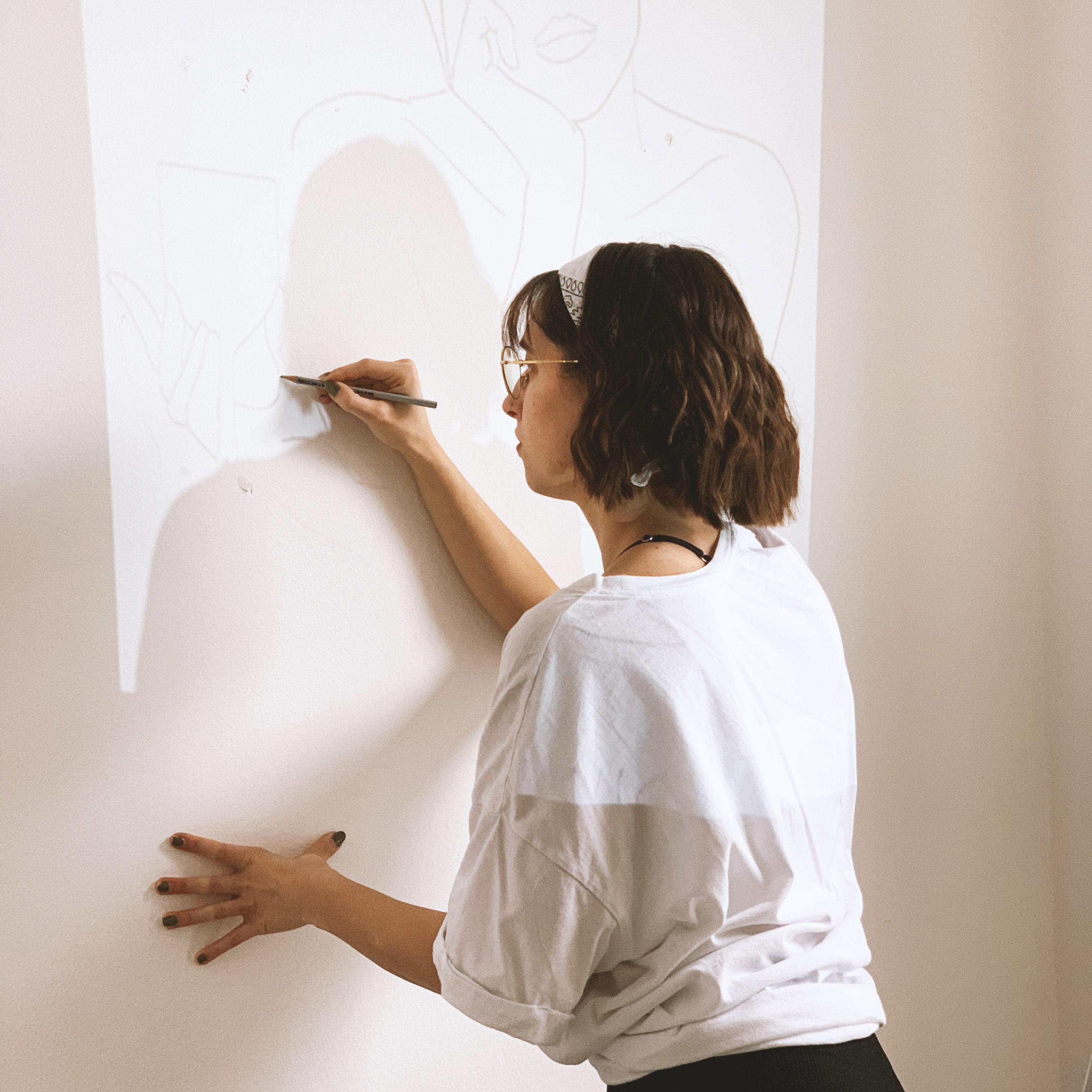 Das Malen ist für Anna ein Ausgleich zum Schreiben der Bachelorarbeit.