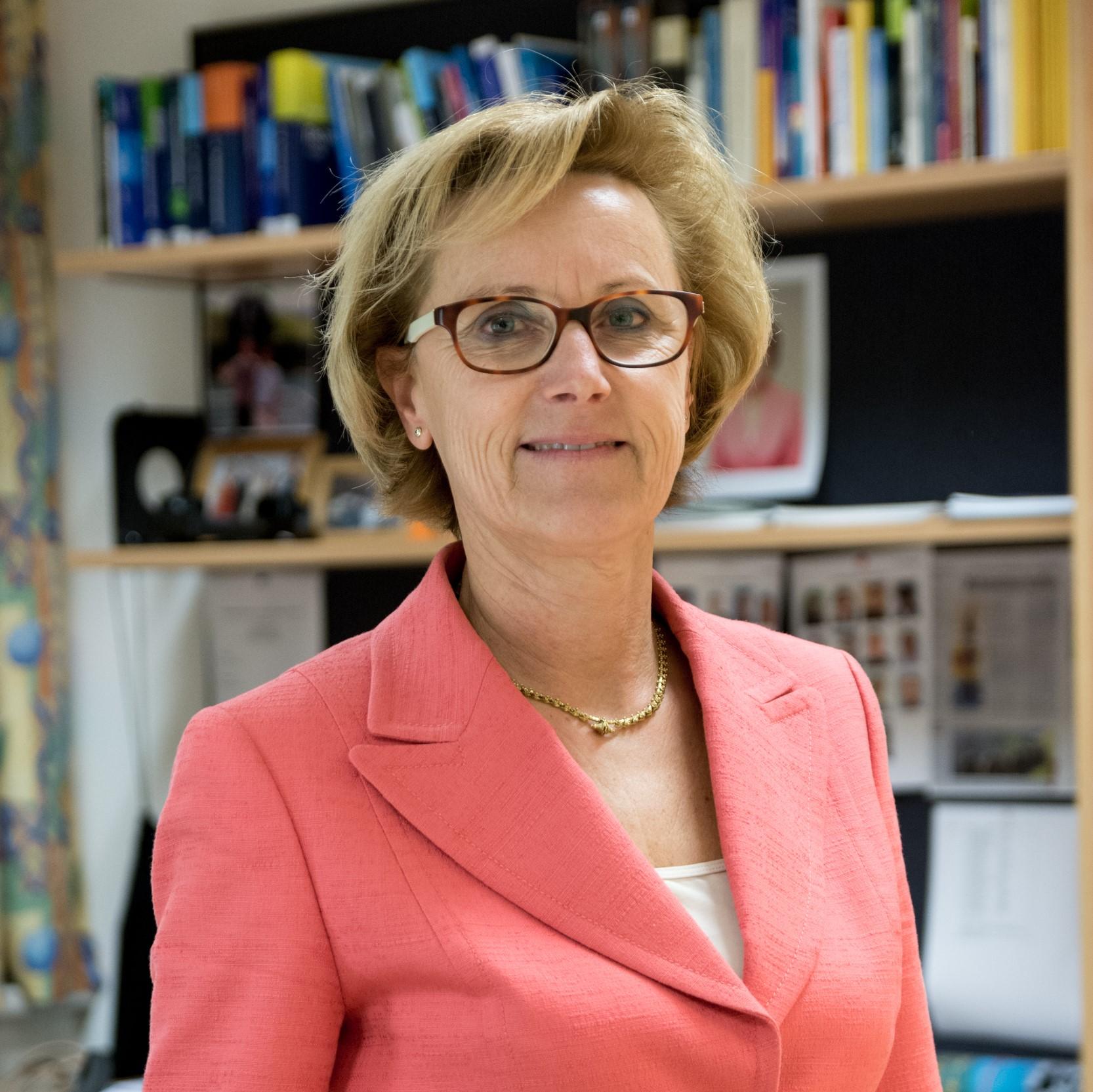 Sonja Gögele leitet das Institut Internet-Technologien & -Anwendungen.