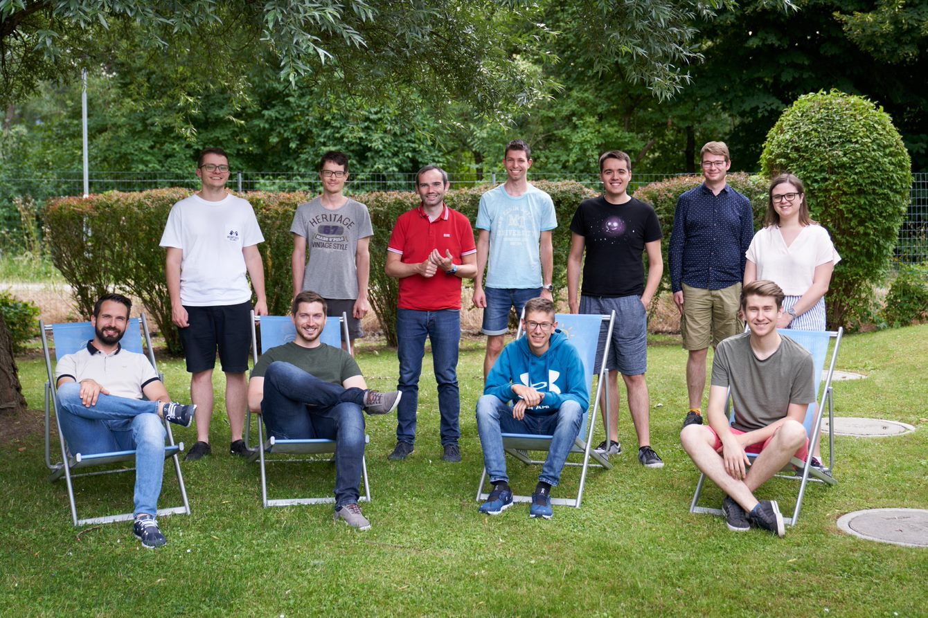 Group photo of the students together with Wolfgang Rominger.