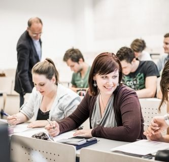 Qualification course for university entrance