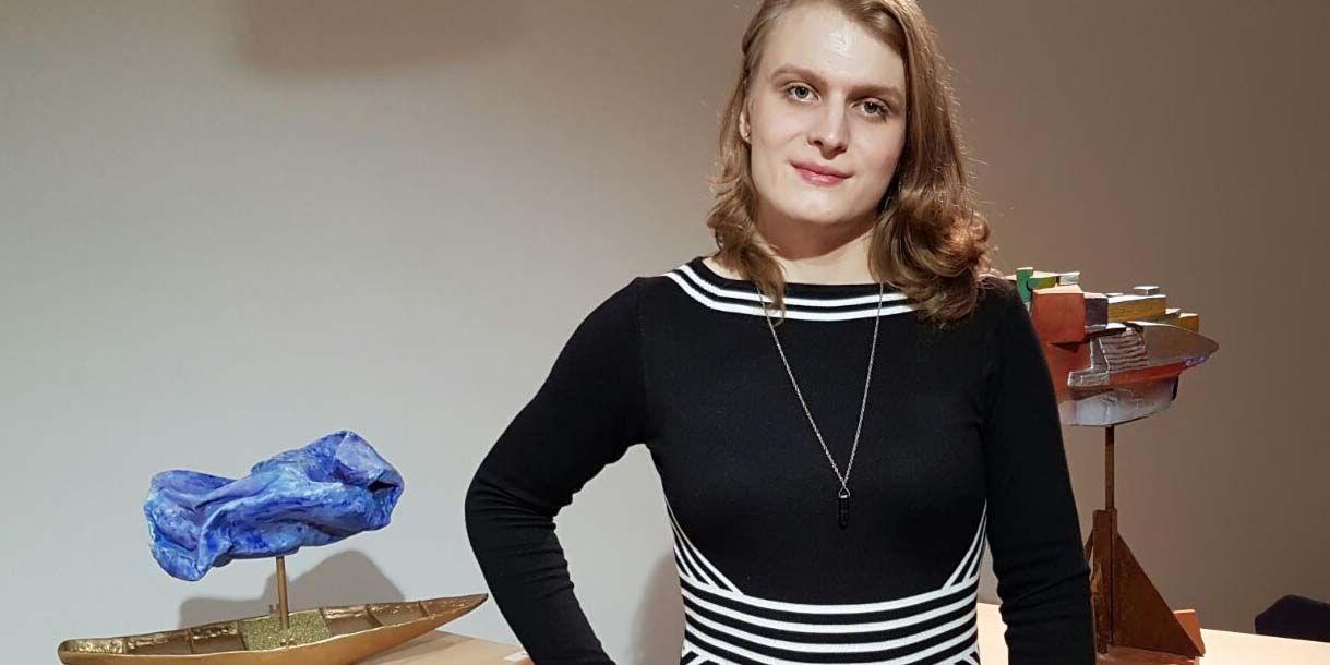 Christina Pagger bereitete zwei Objekte von Franz Krammer für den virtuellen Raum auf.