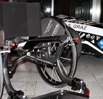 Der leichteste klappbare Rollstuhl der Welt