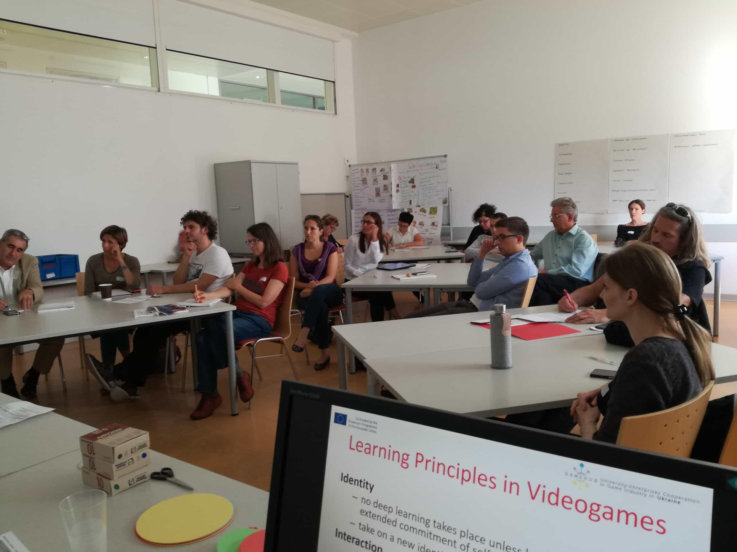 Teilnehmerinnen und Teilnehmer in einem Workshop des E-Learning Tags 2017.