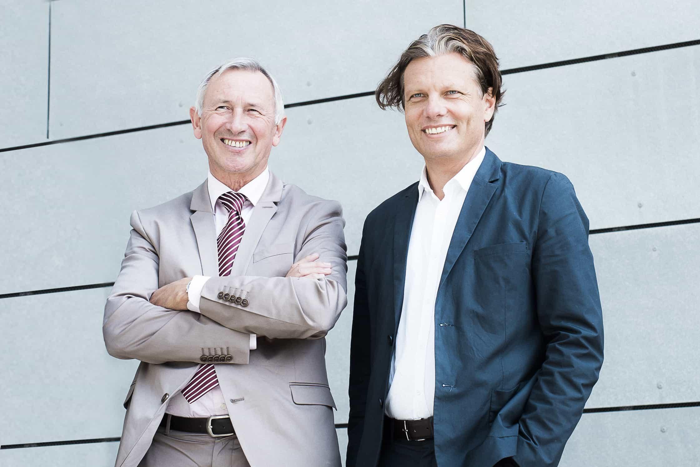 Geschäftsführer der FH JOANNEUM Karl Peter Pfeiffer und Abteilungsleiter Personal und Recht Peter Reininghaus.