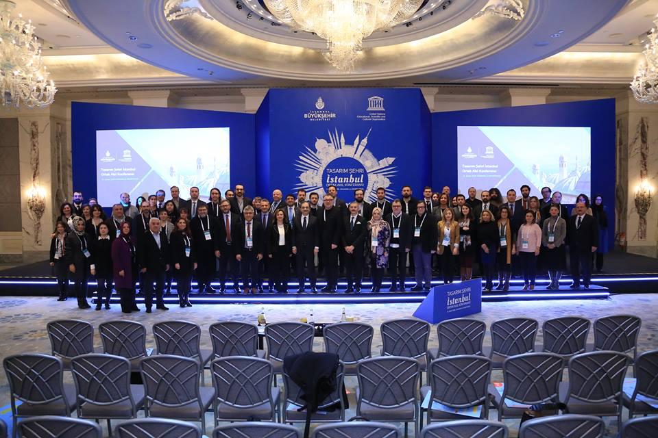Foto mit den Vertreterinnen und Vertretern der Universitäten.