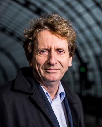 Porträtfoto von Prof. Dr. Michael Braungart