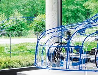 Strukturelle Anwendungen von CFK in der automobilen Serie – vom Rohbau bis zum Rad 1