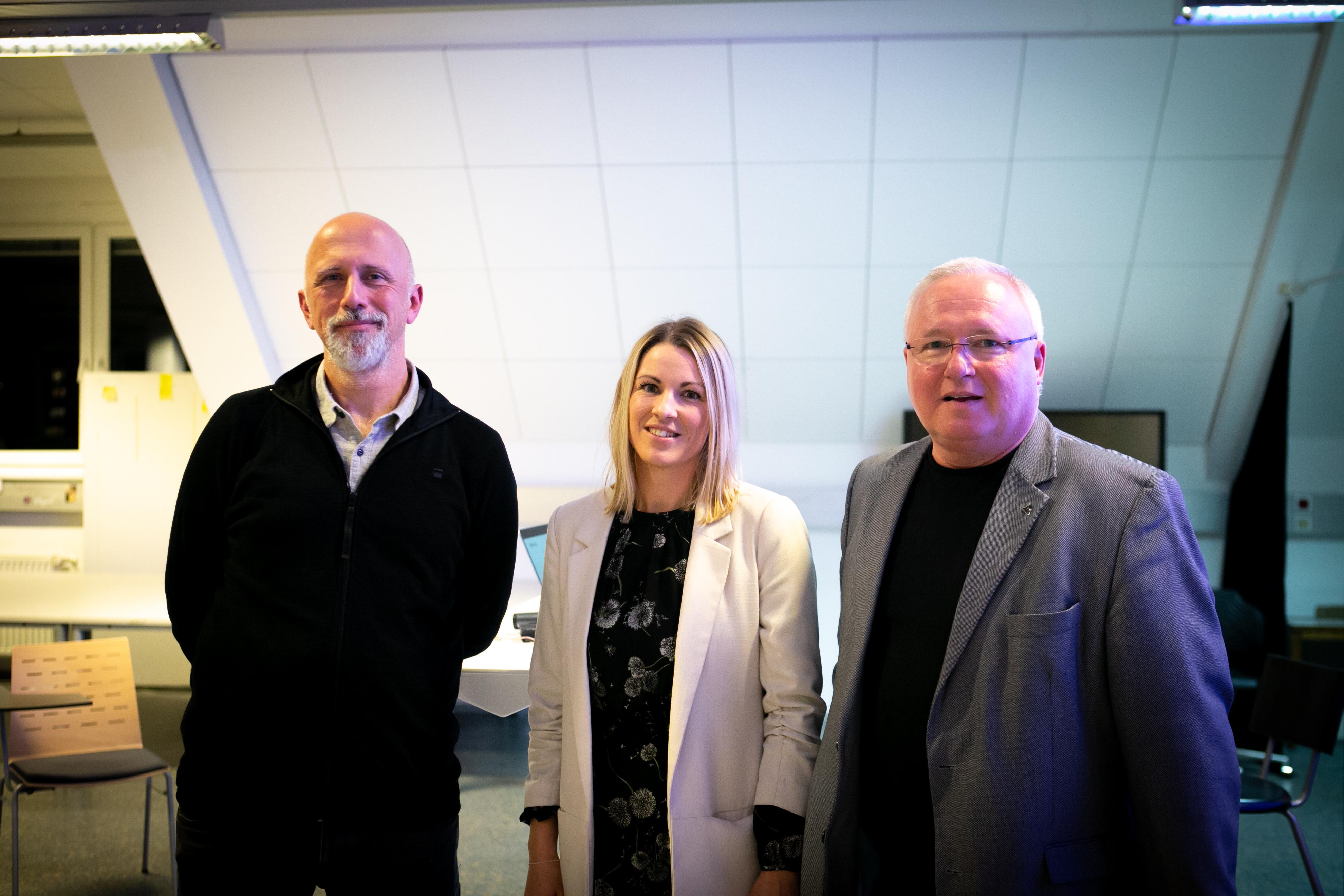 Thomas Wolkinger, Nadine Rigele und Institutsleiter Heinz M. Fischer.