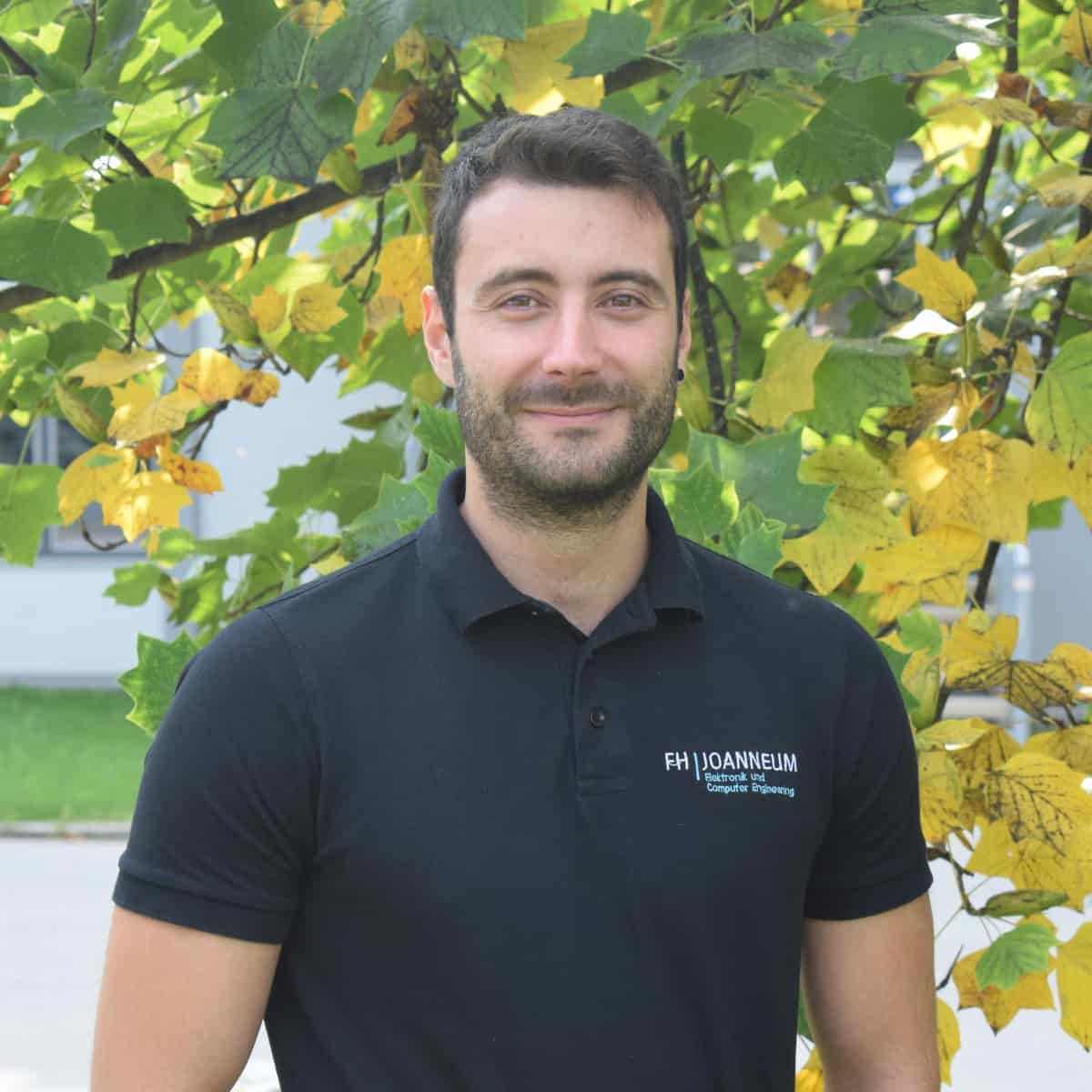Luis Alfonso Fernandez Serantes schätzt seine Arbeit im Bereich Leistungselektronik.