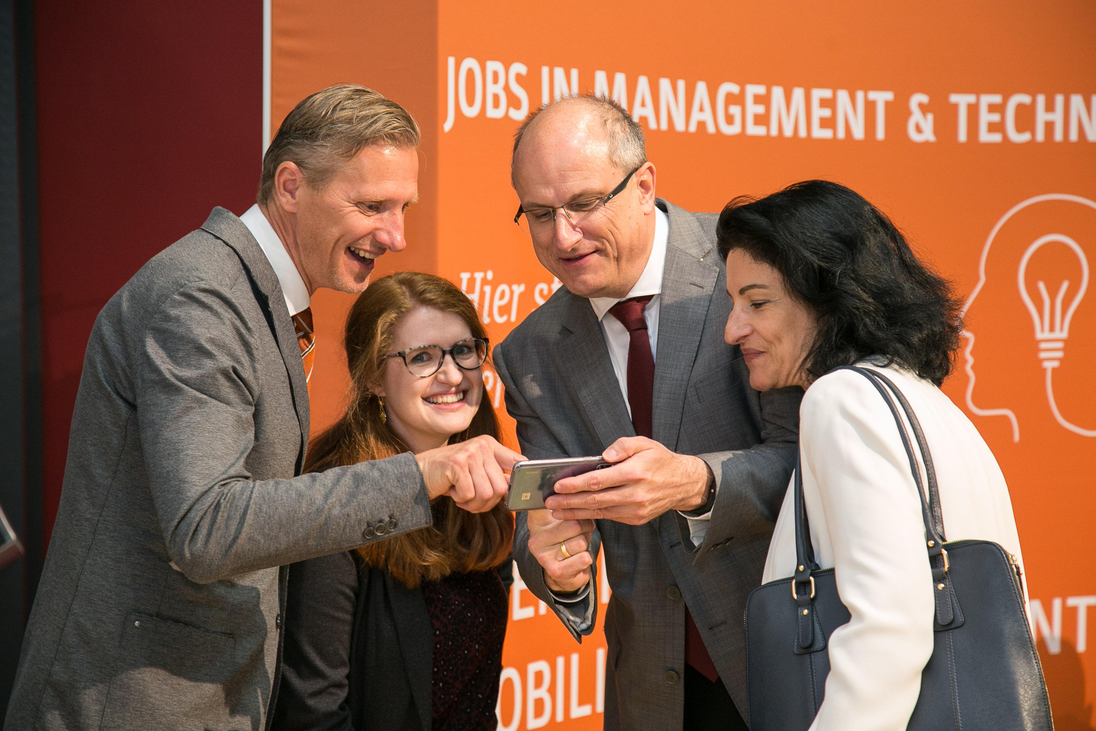 Auch die Entwicklungen im digitalen Bereich waren bei der Feierlichkeit ein wichtiges Thema. (© FH JOANNEUM / Klaus Morgenstern)